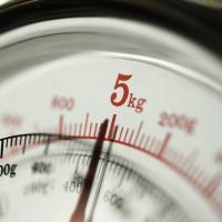 ¿De dónde viene la medida del kilogramo? ¿Ha variado esta medida con el tiempo?
